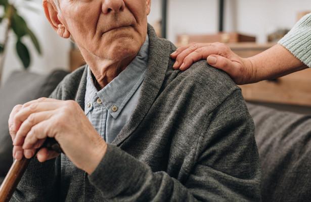 Ученые связали болезнь Альцгеймера скоронавирусом