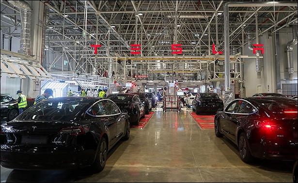 Tesla отзовет десятки тысяч произведенных автомобилей