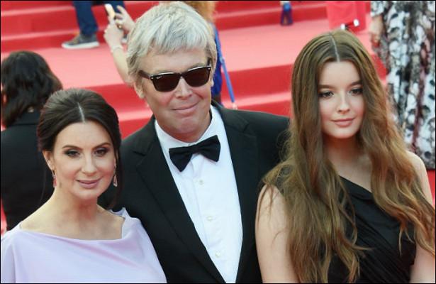 Родители 17-летней Саши Стриженовой были против ееактерской карьеры