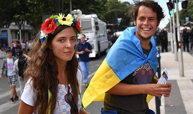 Патриотический футбол: зачем Украина намекает набойкот ЧМ-18