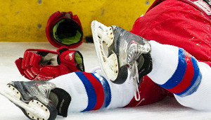 Юный хоккеист сломал шеювматче Кубка Москвы