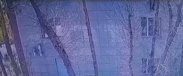 ВПавлодаре двапризывника выпрыгнули стретьего этажа сборного пункта