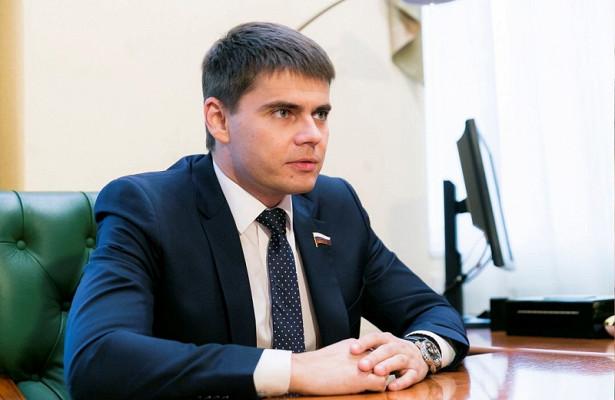 Депутат Сергей Боярский раскритиковал новые ограничения вПетербурге