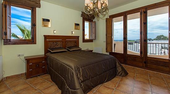 Продажа квартиры в испании фото