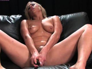 Sybian squirting 2 girls