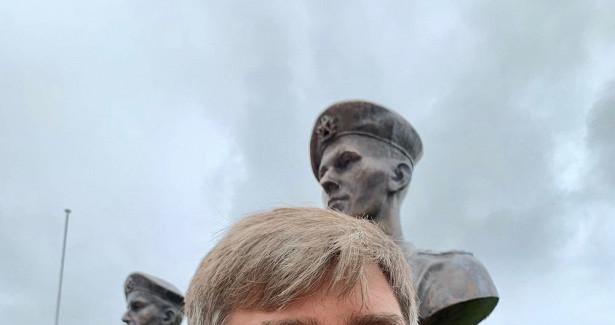 Московский бизнесмен поставил 75памятников погибшим героям 6-йроты