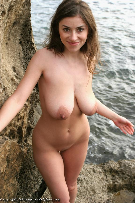 beautiful nude Amateur natural women