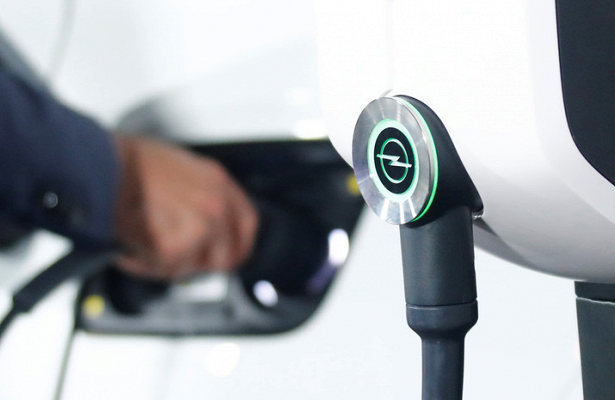 Автоэксперт предрек конец популярности электромобилей