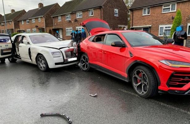 Самая дорогая авария: Rolls-Royce Ghost протаранил Lamborghini Urus