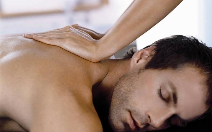 Порно массаж нежный смотреть онлайн