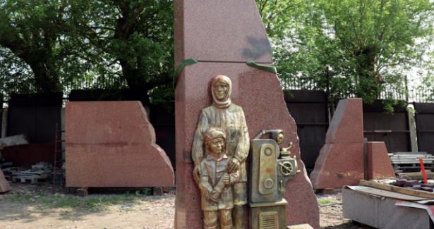 Алтай увековечит память озаводах, эвакуированных вгоды войны