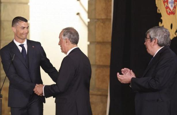 Президент Португалии отреагировал назаражение Роналду