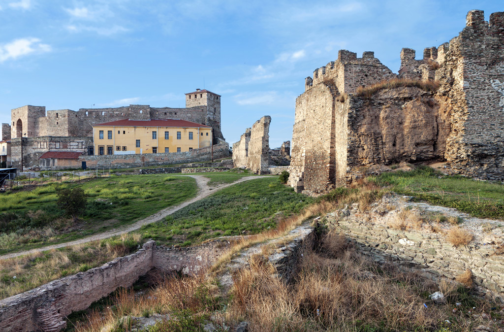 Замок в остров Тессалоники цена