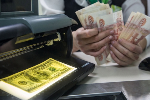 Силуанов призвал отказаться отрасчетов в«политизированных» валютах
