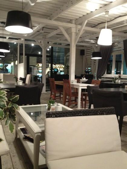 Ресторан Подъезд - фотография 1 - Уютное место!