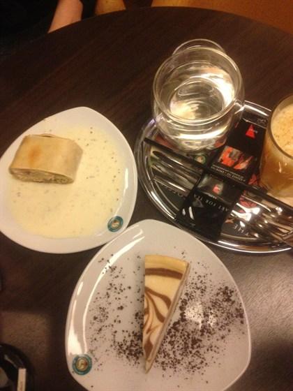 Ресторан Coffeeshop Company - фотография 1 - Ланч