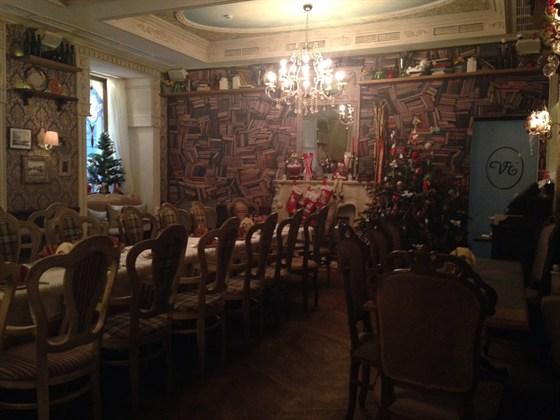 Ресторан Венеция - фотография 1 - Очень красивое и уютное место,где можно вкусно и дешево поесть!