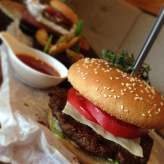 Ресторан Фаэтон - фотография 15 - Гиви-бургер!