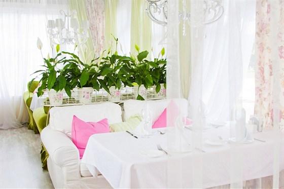 Ресторан Дачная жизнь - фотография 5 - Французская веранда