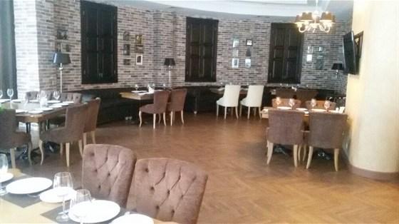 Ресторан Пиросмани - фотография 1 - уютный ресторан