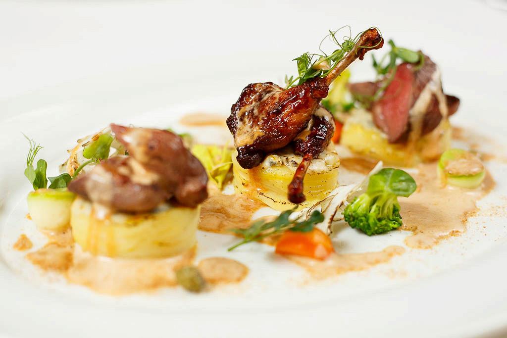 Ресторан G.Graf - фотография 14 - Голубь с венецианским соусом по рецепту Ниро Вульфа