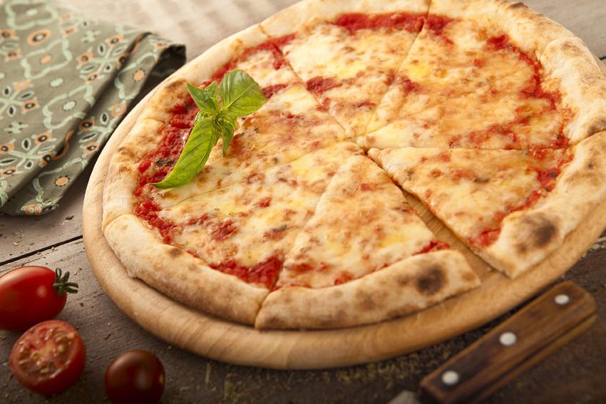 """Ресторан Мюнгер - фотография 6 - Итальянская классика - """"Маргарита""""."""