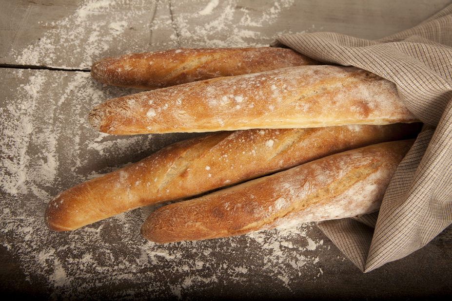 Ресторан Мюнгер - фотография 1 - Классический французский багет.