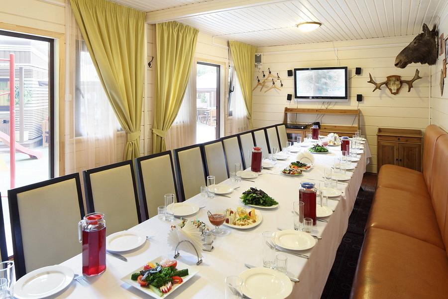 Ресторан Маска - фотография 13 - Караоке беседка охота