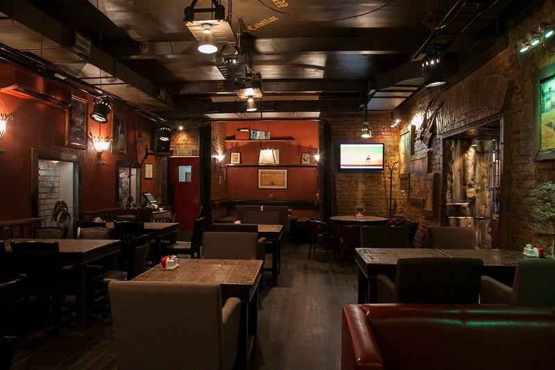 Ресторан Mr. Help & Friends - фотография 1
