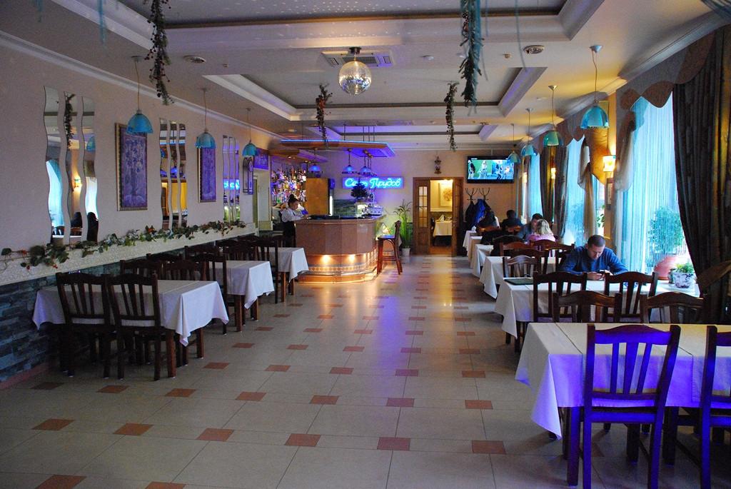 Ресторан Семь прудов - фотография 1 - Кафе