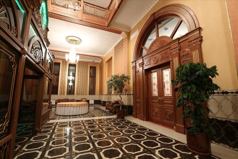 """Ресторан Стамбул - фотография 1 - Фойе зала """"Императорский"""""""