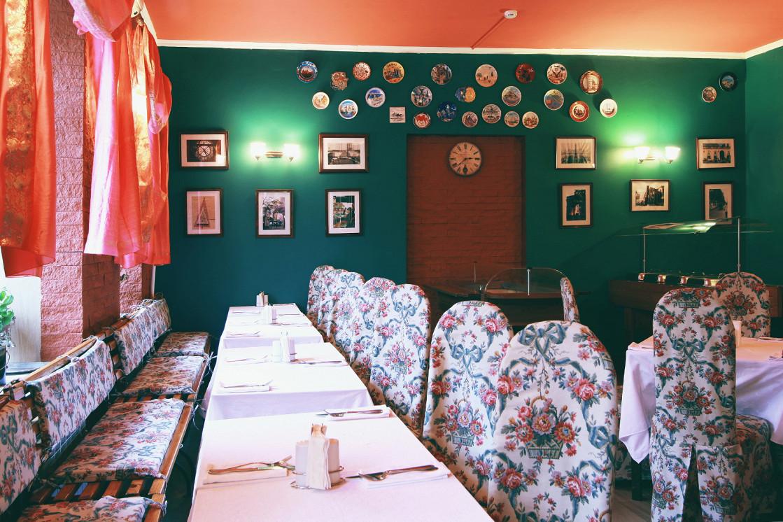 Ресторан Гранд Виктория - фотография 8 - Большой зал ресторана Гранд Виктория