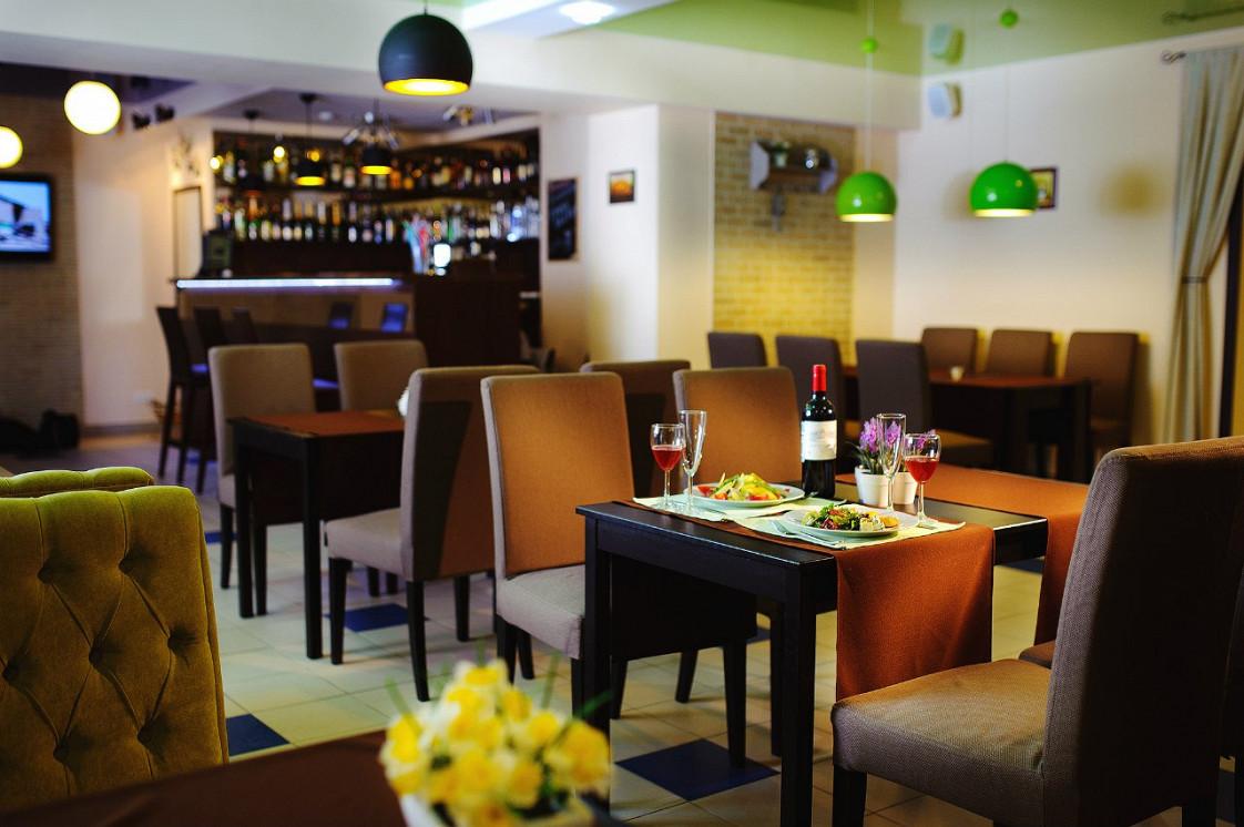 Ресторан Яблоко - фотография 2