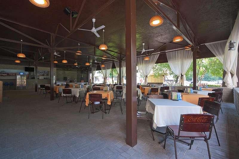 Ресторан Out Hall - фотография 10