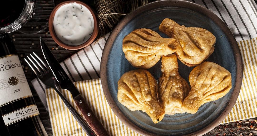 Ресторан Джонджоли - фотография 5 - Жареные хинкали (5 шт)