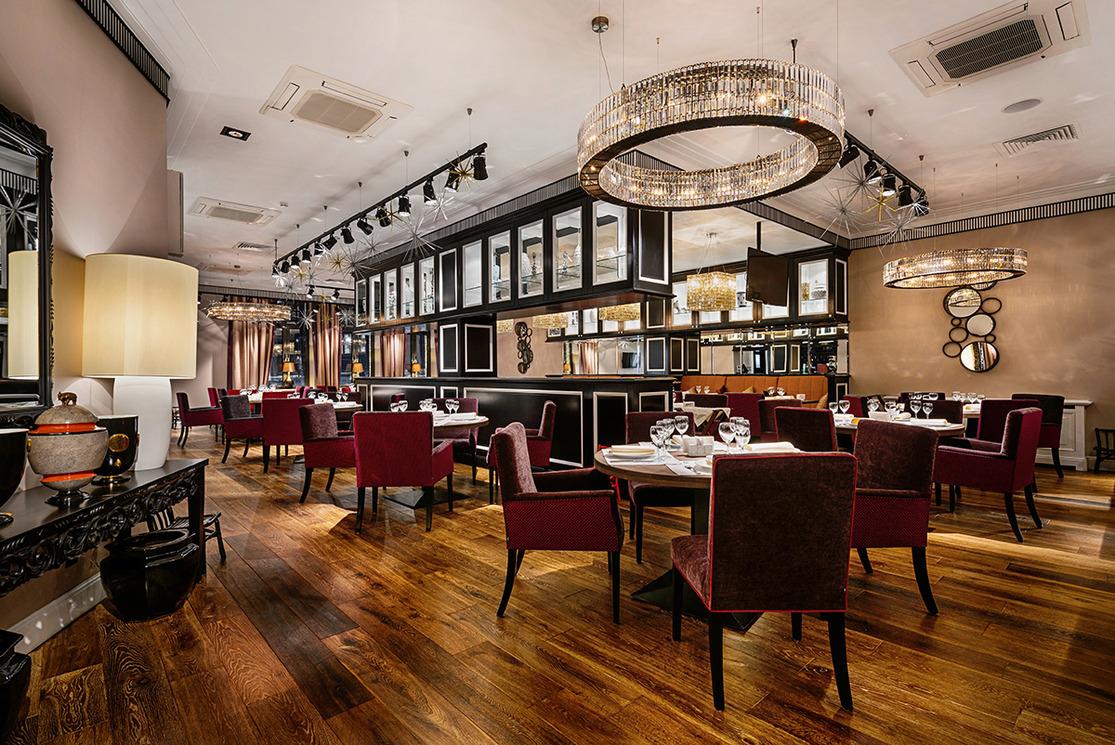 Ресторан Новорижская застава - фотография 1 - 1-ый этаж, основной зал