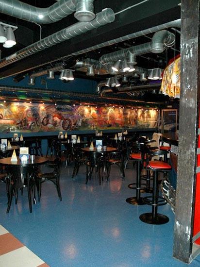 Ресторан 1000 миль - фотография 8 - большой зал