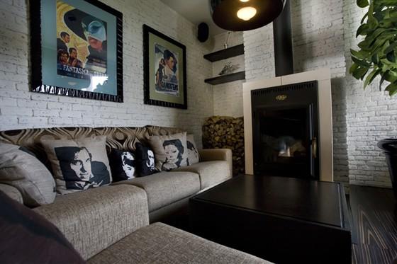 Ресторан Tutti i giorni - фотография 3 - 2 этаж Каминная зона