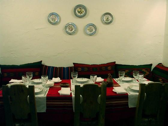 """Ресторан Баба Марта - фотография 12 - Большой стол в """"эркере"""" (один из )"""