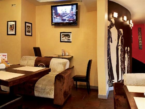 Ресторан Brownbar - фотография 10 - Атмосфера располагает к приятному общению...