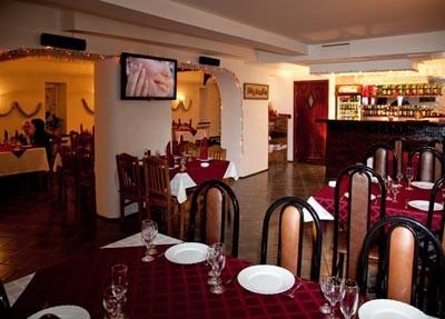 Ресторан Кувшин - фотография 1 - Главный зал