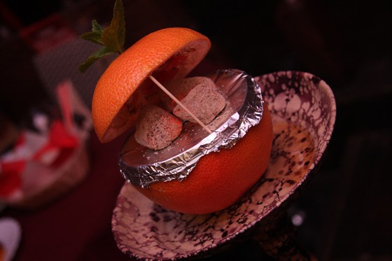Ресторан Shisha - фотография 10 - Кальян на апельсинке!
