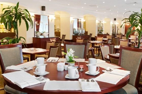 """Ресторан Граци - фотография 9 - В ресторане """"Граци"""" представлена колоритная средиземноморская кухня, а также блюда традиционной русской и международной кухни."""