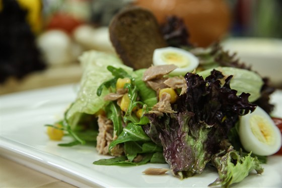 Ресторан La familia - фотография 49 - Мексиканский салат из тунца