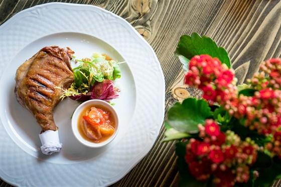 Ресторан Пять два - фотография 4 - Утиная ножка конфит