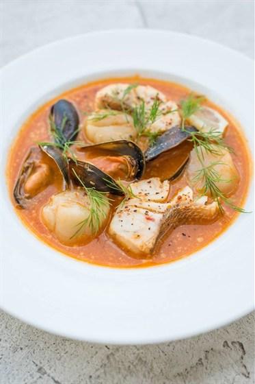 Ресторан Meatball Heaven - фотография 12 - Гумбо Луизианский, пряный рыбный суп с креветками, треской, мидиями, овощами и специями