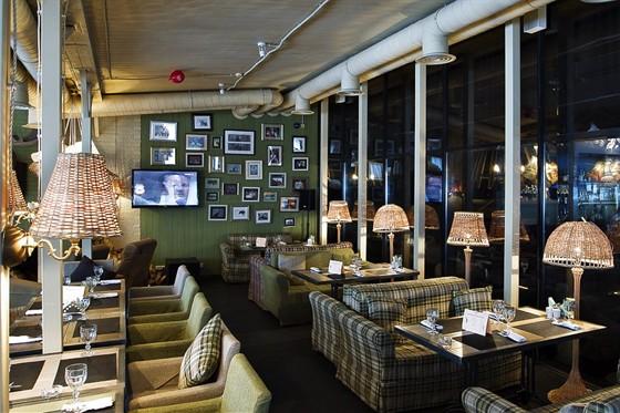 Ресторан Сытый лось - фотография 12 - веранда