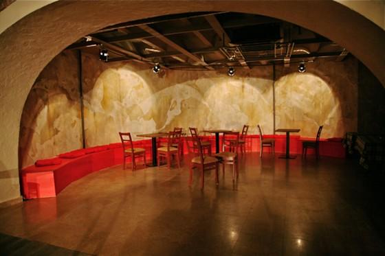 Ресторан Zavtra - фотография 7 - Круглый зал.