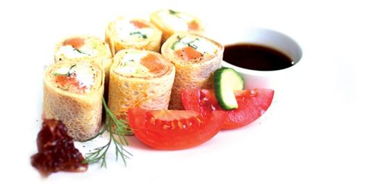 Ресторан Вкуснолюбов - фотография 5 - Блинные роллы
