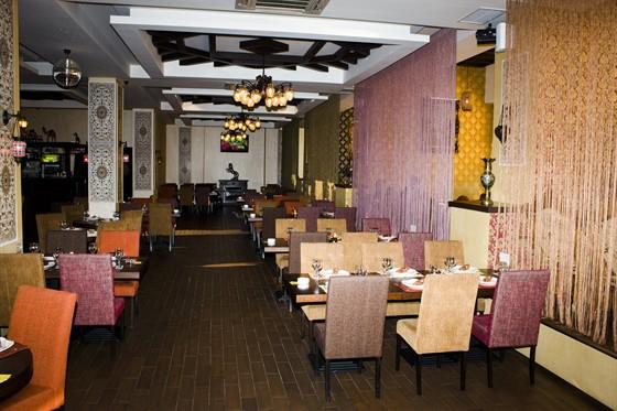 Ресторан Дюшес - фотография 3 - Кальянный зал
